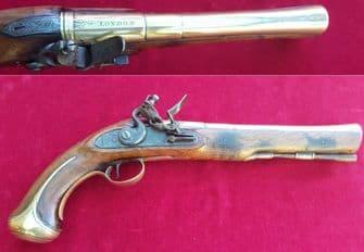 A rare Flintlock brass barrelled Blunderbuss pistol by THOMAS JEFFREYS of LONDON. C. 1726. Ref 2332.
