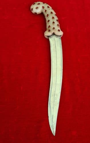 A very attractive Indian 19th century Khanjar dagger with Jade grip inlaid with red stones. Ref 3323