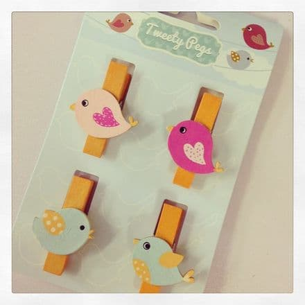 Set Of 4 Cute Mini Pegs
