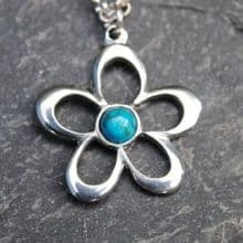 Flower pendant necklace with turquoise P07