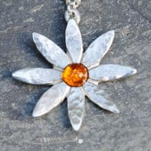 Lily flower pendant necklace with amber  P32